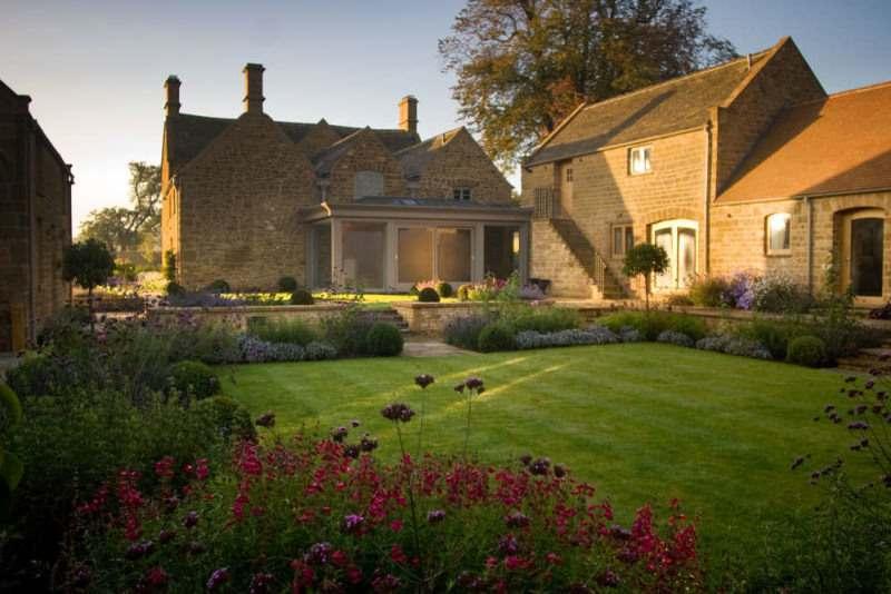 Farmhouse garden restoration in Great Tew, Oxfordshire