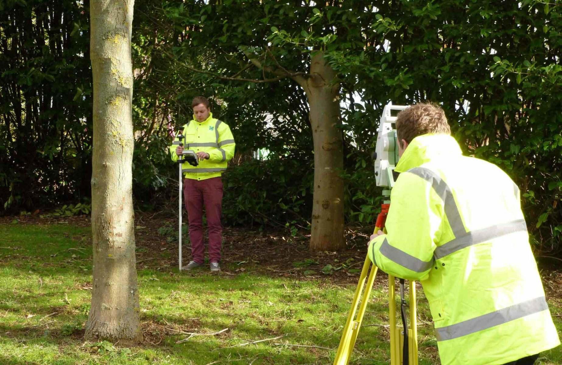 Nicholsons of Oxfordshire: our garden design process: surveying a garden