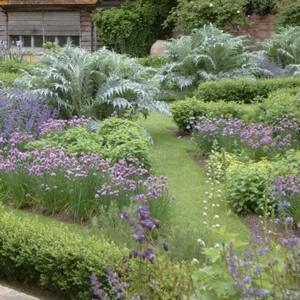 Designing for Large Gardens