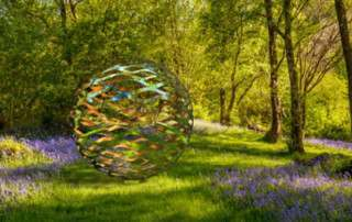 garden-design-ideas-sculpture-ball-400x300