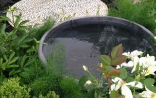 garden-urn-feature-image-garden-designs