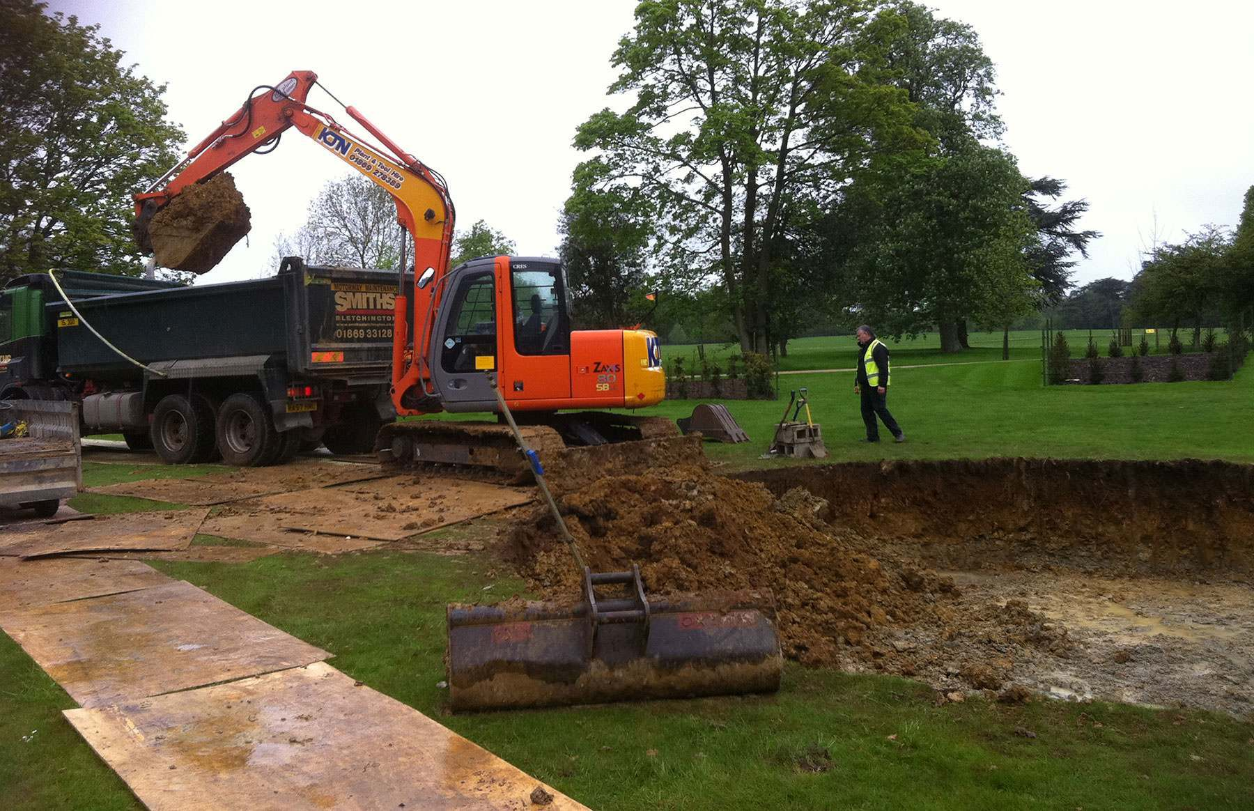 landscape_contracting_earthworks_pond_fountain_excavation