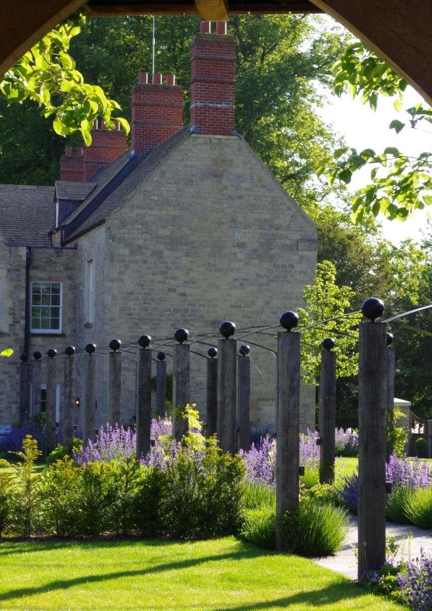 Garden and Landscape Designers: Nicholsons of Oxfordshire:  Garden and Landscape designs - helping to make your garden dreams come true