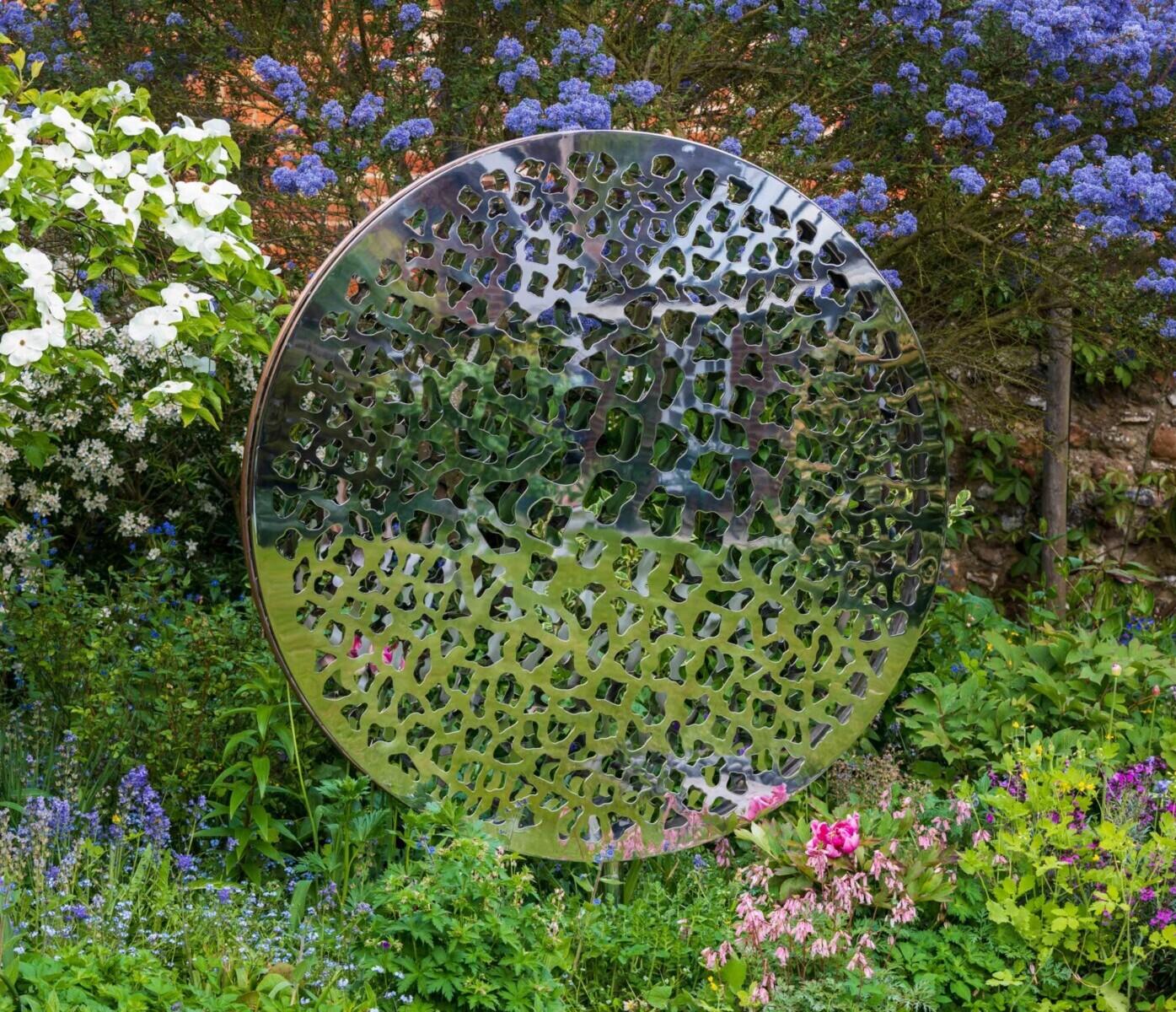 The Art of Selecting a Garden Sculpture