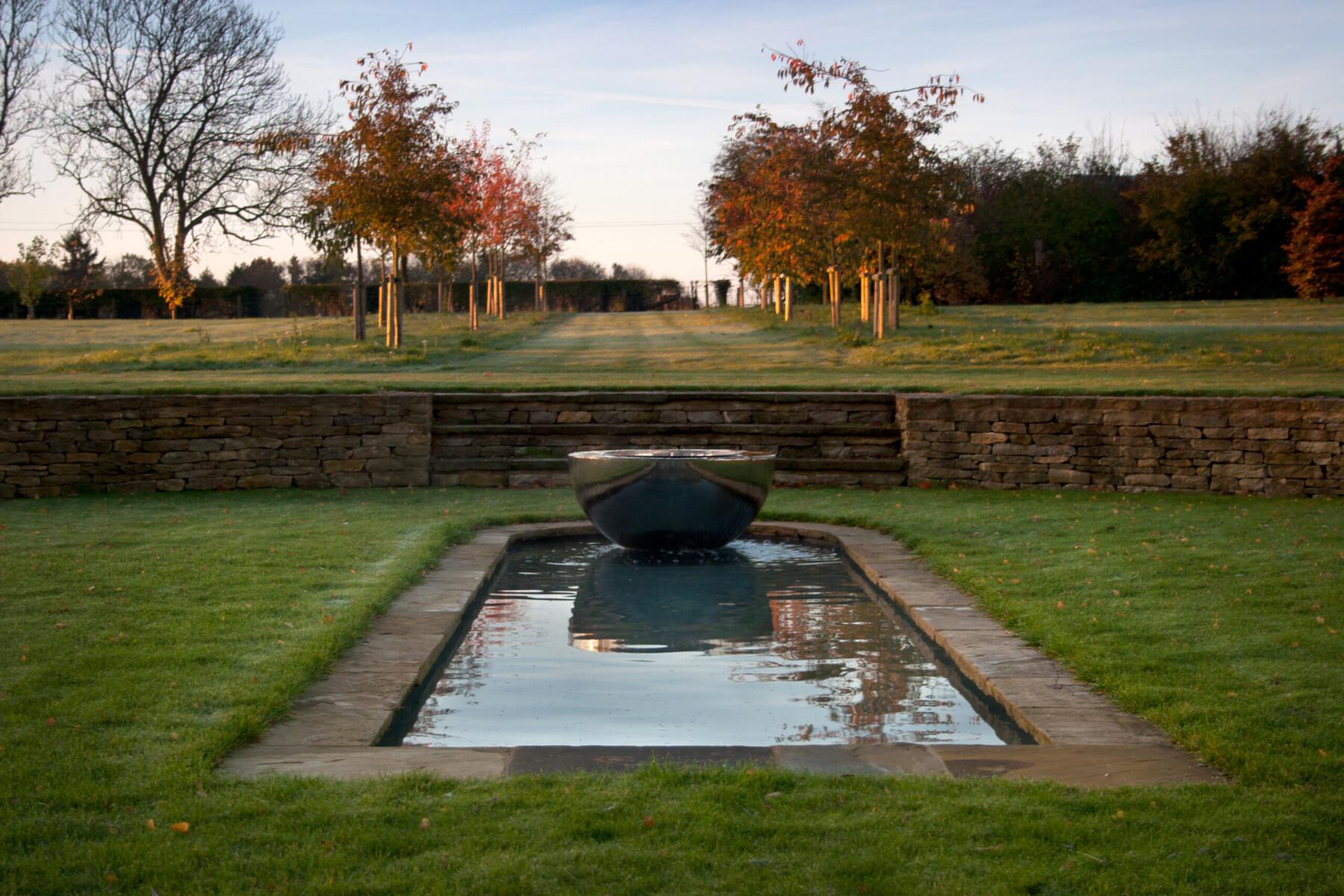 David Harber Sculpture in Nicholsons Garden